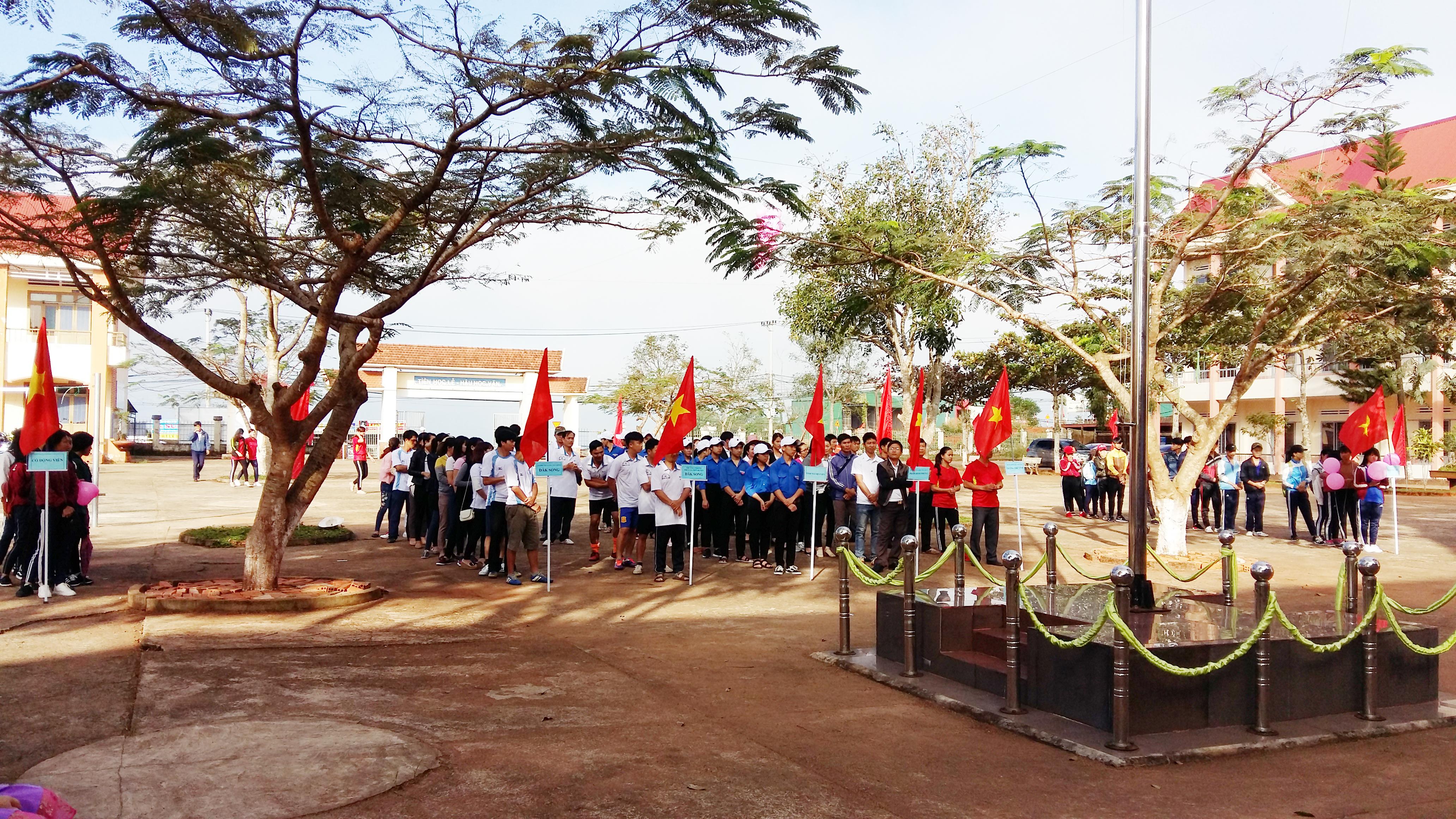 4 Trường THPT Và PTDTNT Trên Địa bàn khai mạc hội thao